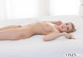 kendra sunderland, hi-q, all natural, big tits, nude, bed, shaved pussy