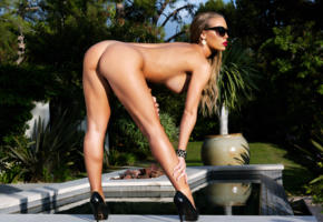 nicole aniston, porn star, sexy, naked, heels, tits, legs, ass, sunglasses, red lips, standing