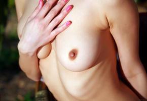 dita v, closeup, naked, boobs, tits, perky nipples, handbra, hi-q