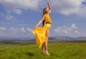 milena, yellow, landscape, blue sky, yellow dress, dress, brunette, mountains, grass, milena d