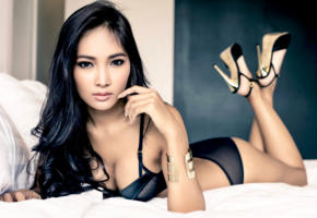 model, dark hair, pretty, tanned, bra, panties, lingerie, high heels, non nude, asian, black lingerie, black hair