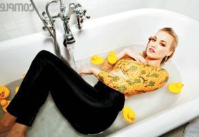 yvonne strahovski, blonde, australian, actress, bathtub, bathroom, wet, non nude