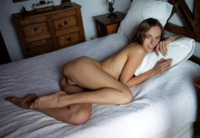 gracie, gracie a, angelina ballerina, anna netrebko, emilia, marion, marion y, vivian b, model, babe, brunette, smile, pussy, shaved pussy, labia, bed, bedroom, nude