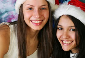 vika, kamilla, brunette, 2 girls, christmas, smile, face