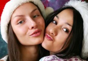 vika, kamilla, brunette, 2 girls, christmas, lips, face