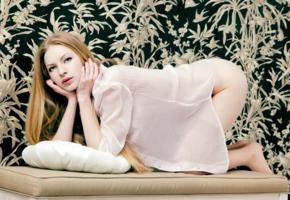 karry, liza v, model, long hair, sensual lips, nightgown, ass, soft focus
