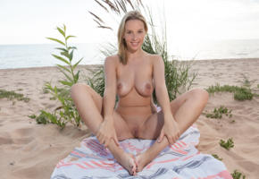 agatha, blonde, beach, naked, boobs, big tits, nipples, shaved pussy, labia, spread legs, smile, ultra hi-q, towel