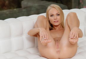 nancy ace, nancy a, jane f, erica, blonde, sofa, naked, landing strip, pussy, labia, ass, anus, legs up, hi-q