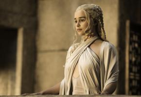emilia clarke, khaleesi, nipples, daenerys targaryen