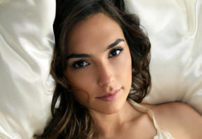gal gadot, brunette, perfect face, bed, face