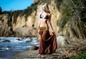blonde, bikini, sexy stomach, walk on the beach, sea, beach