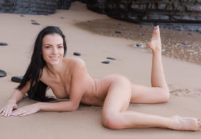 sapphira, sapphira a, maya m, evinka, brunette, beach, naked, boobs, tits, nipples, legs up, smile, hi-q, evinka purgatova