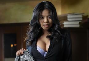 nia nicce, secretary, big boobs, ebony, busty, bra