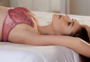emily bloom, lingerie, brunette, bed, bra