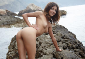 penelopea, brunette, small tits, nude, rocks, ass, tits, nipples, tanned, smile, sea, divina a, sati, tina