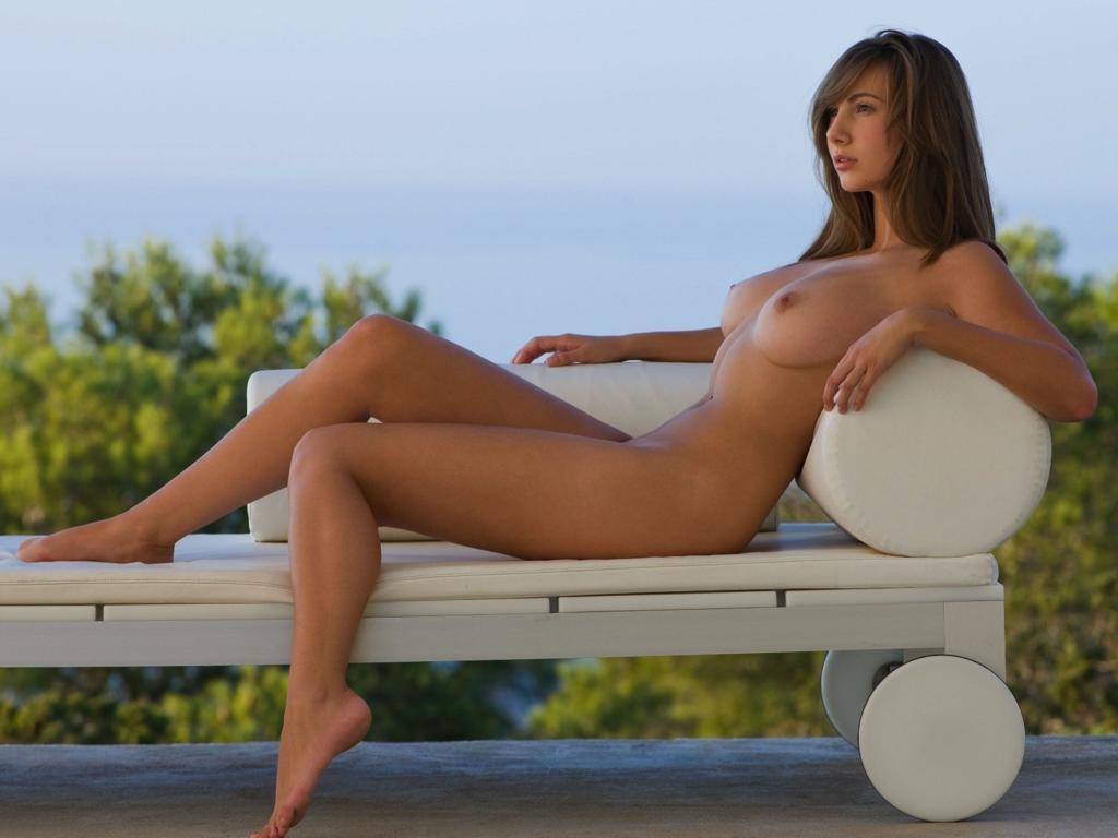 Roselyne a nude in letoush