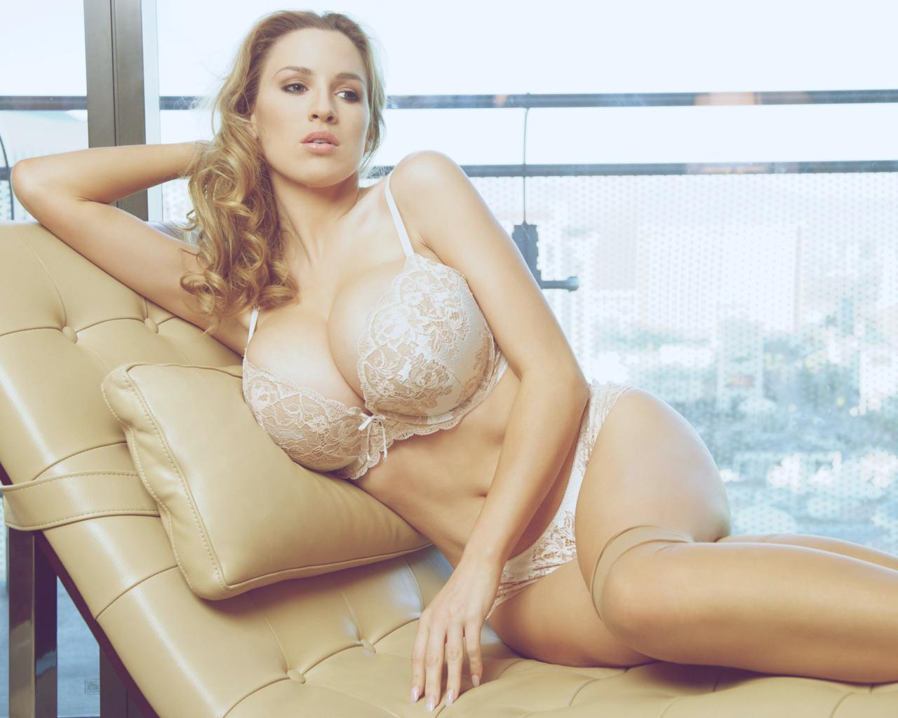 Jordan Carver Model Big Boobs Huge Tits Large Breasts Sexy