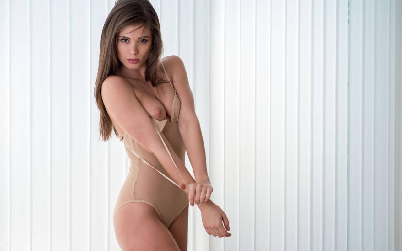 Little Caprice Wurde durch Zufall zum Pornostar  Wien