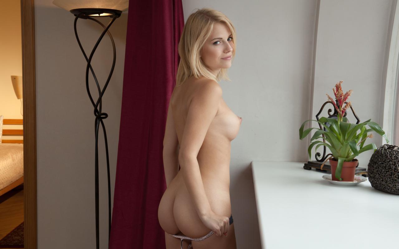 download photo 1280x800 raena britanny blonde sexy