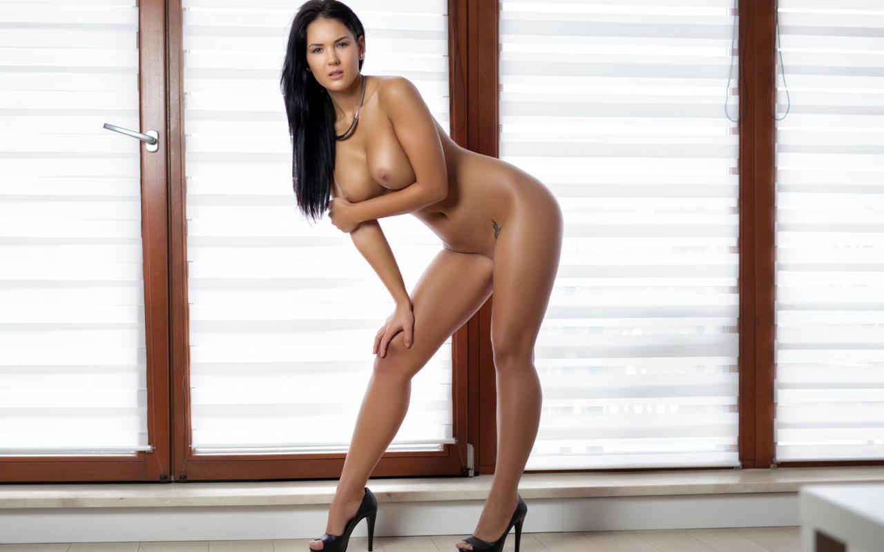 super hot lesbians nude