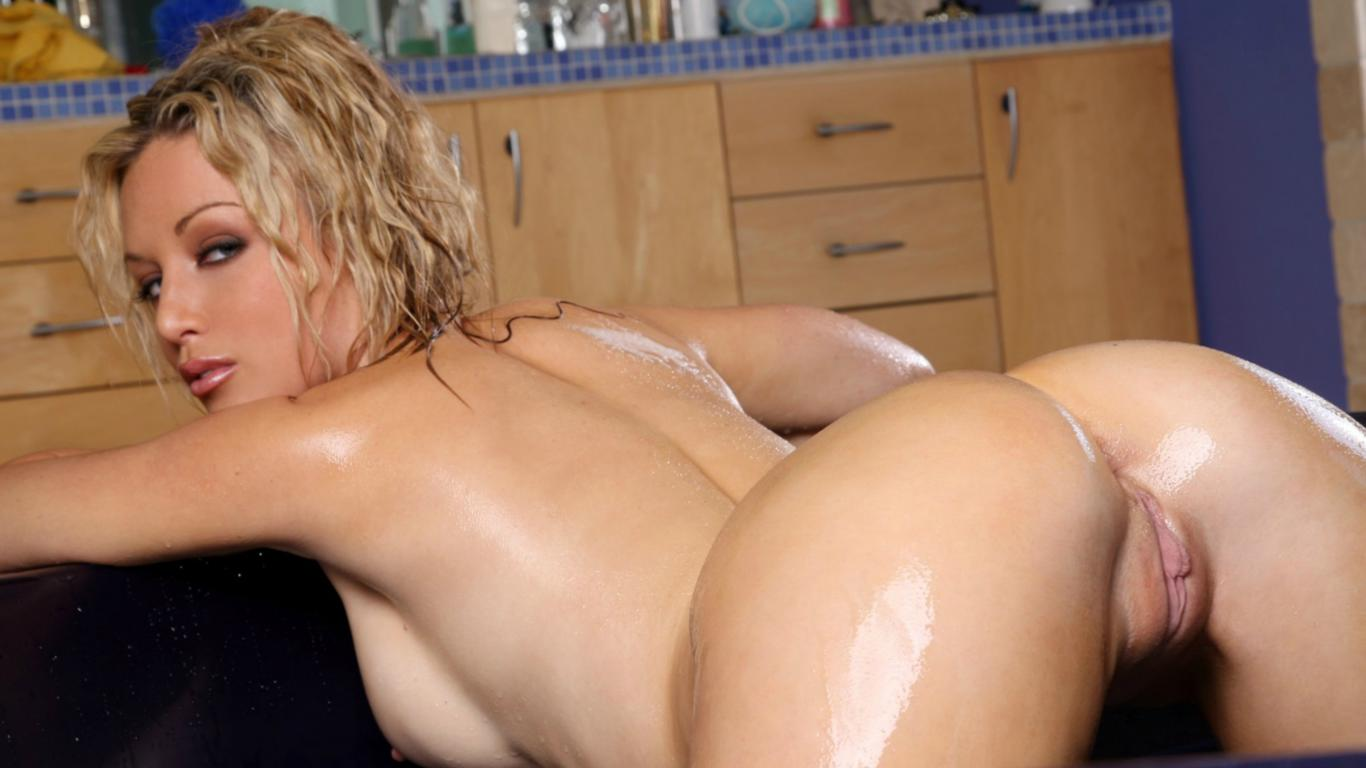 Wet pssy Hot blonde