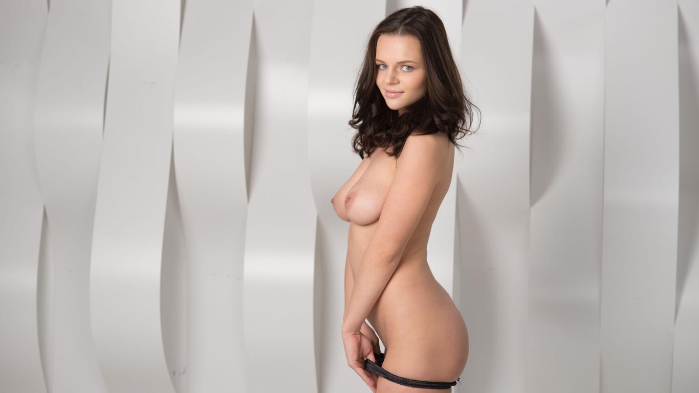 download photo 1366x768 ksusha r bru te sexy girl