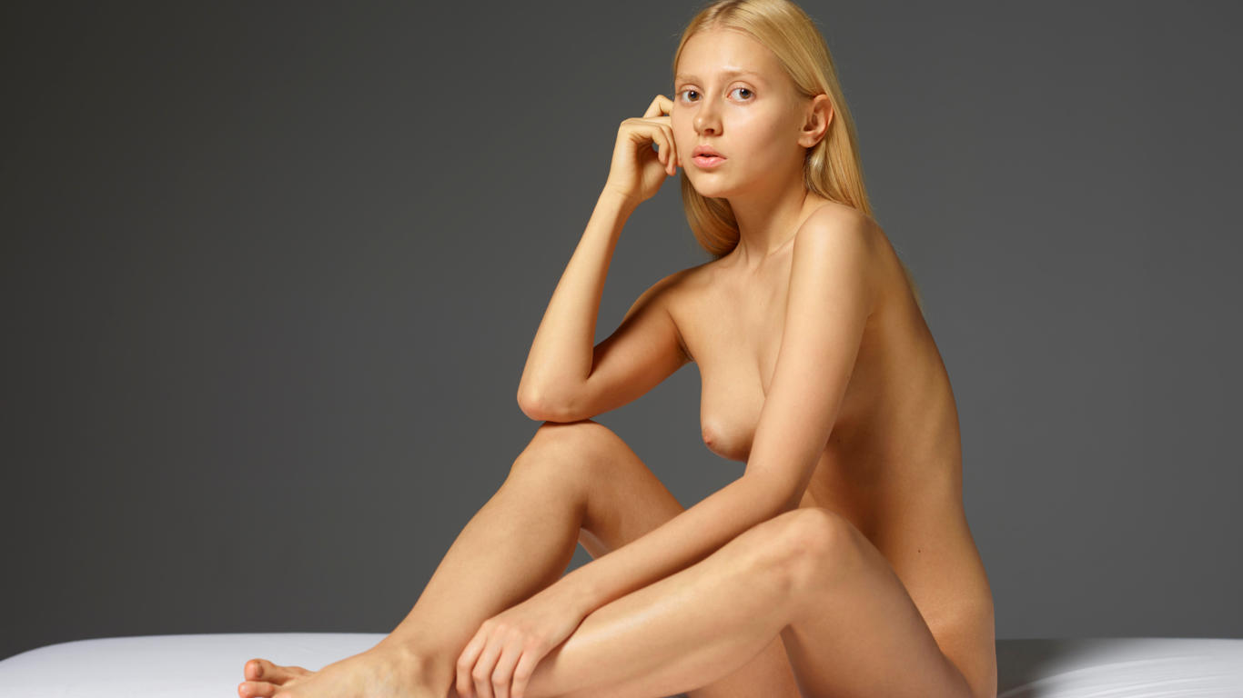 download photo 1366x768 aleksandra sexy girl nude