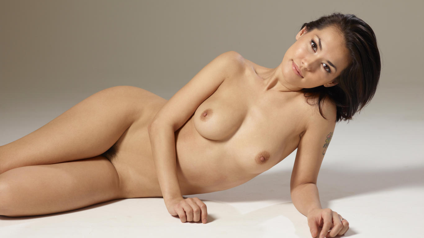 Lois Griffen Nude