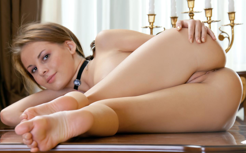sexy juicy hot naked virgin bums