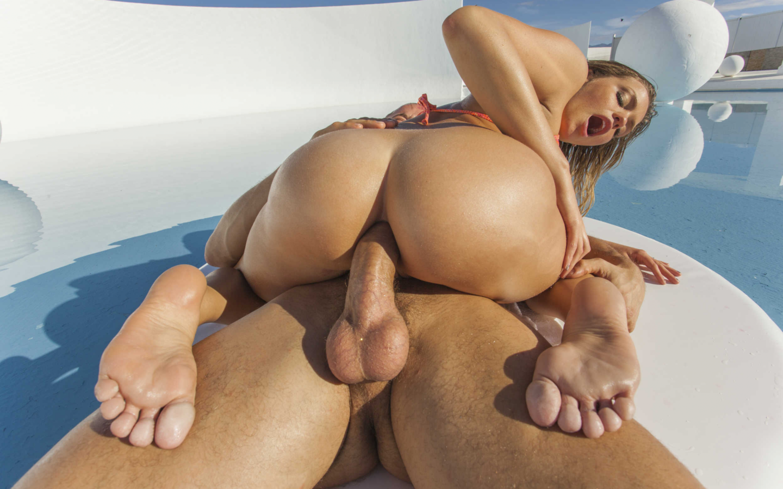 perfect nude girl ass shower