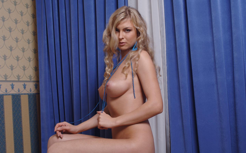 nude Inna model