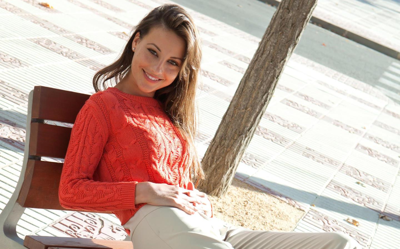 Download photo 1440x900, lorena garcia, brunette, long