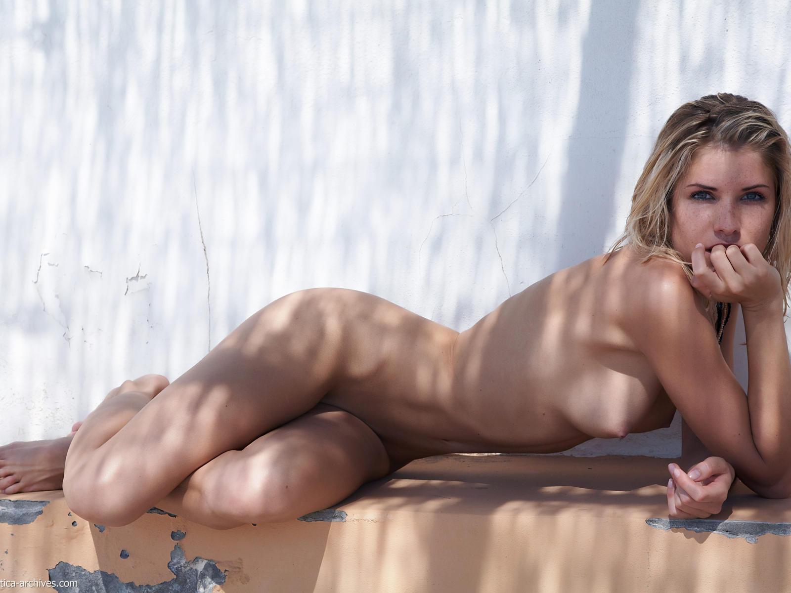 Czech blonde with hot ass lapdances 2