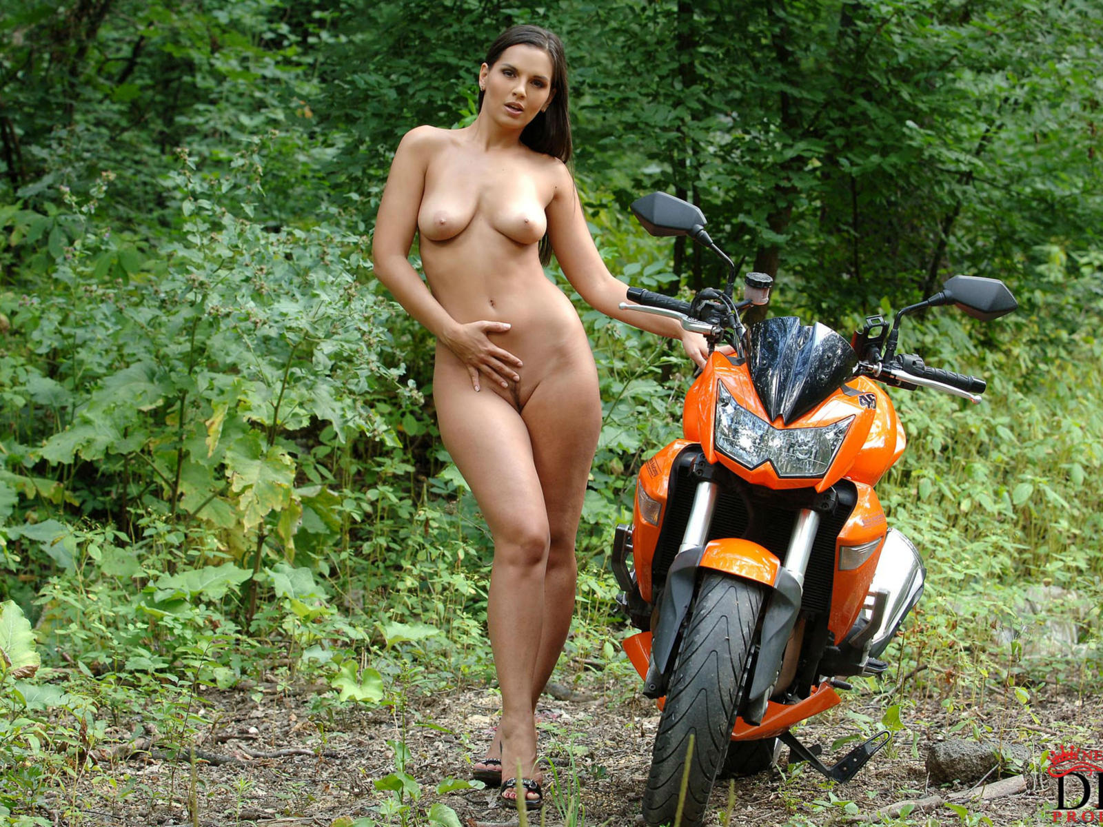 Free nude women on motorcycles