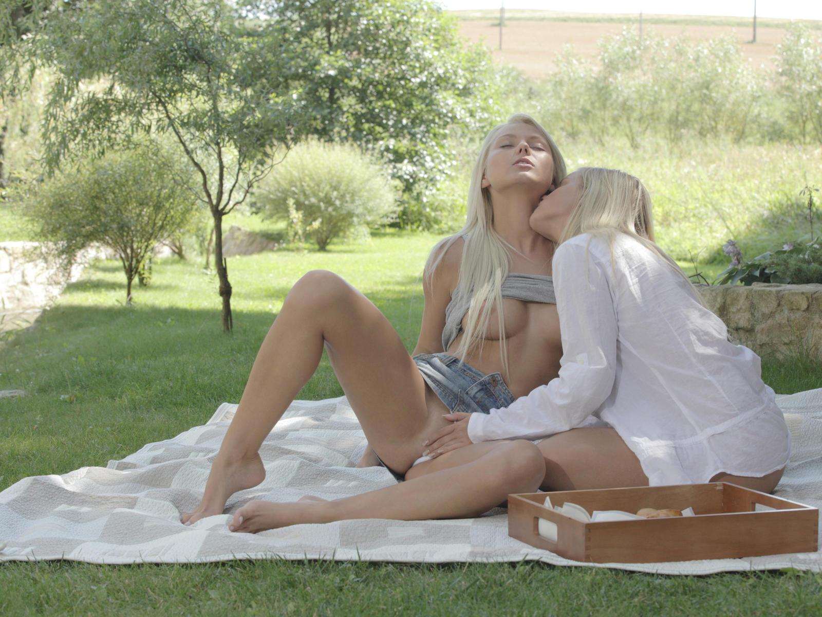 Blonde Lesbians Skirt 59
