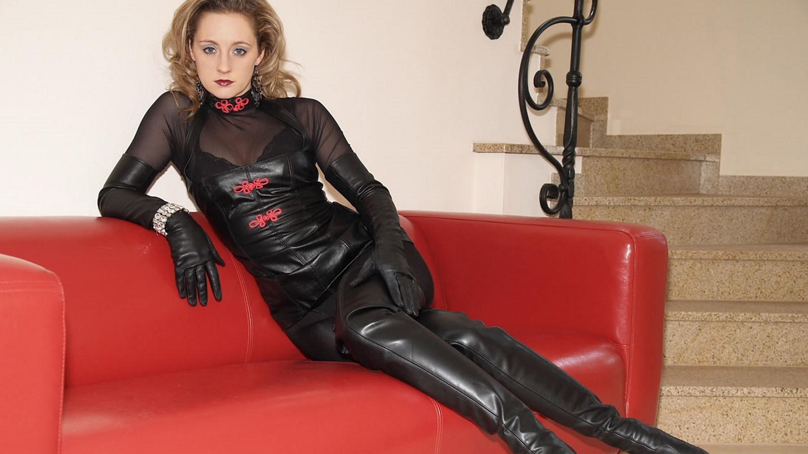 Download Photo 1600X900, Lady Ann, Blonde, German -6086