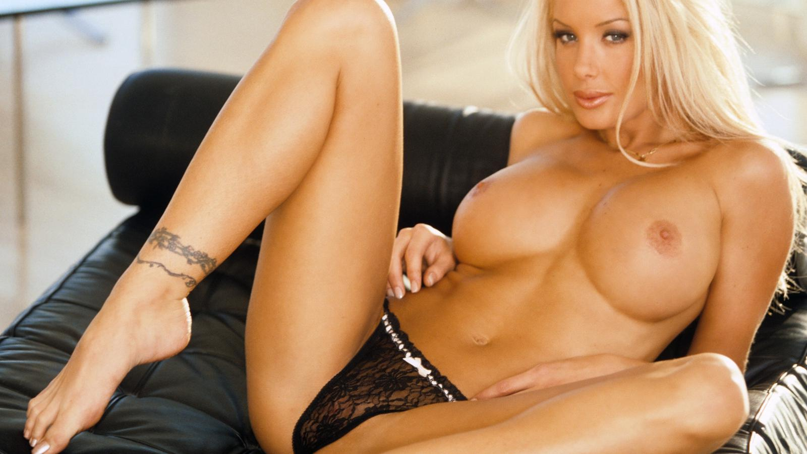 Download photo 1600x900, charis boyle, playmate, blonde ...