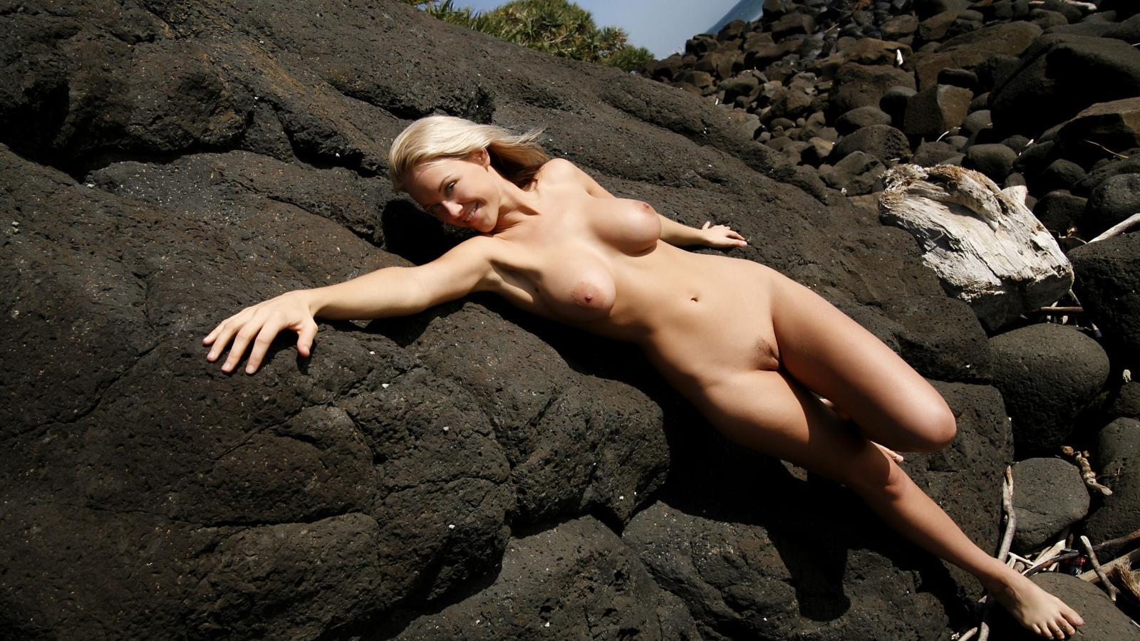 Stripper blonde pounded
