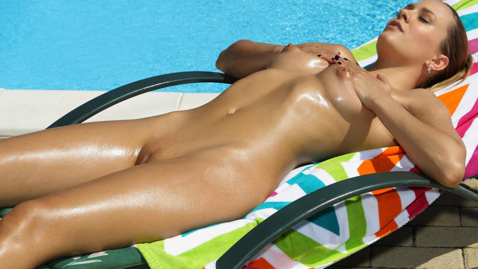 Pussy perfect oiled ass