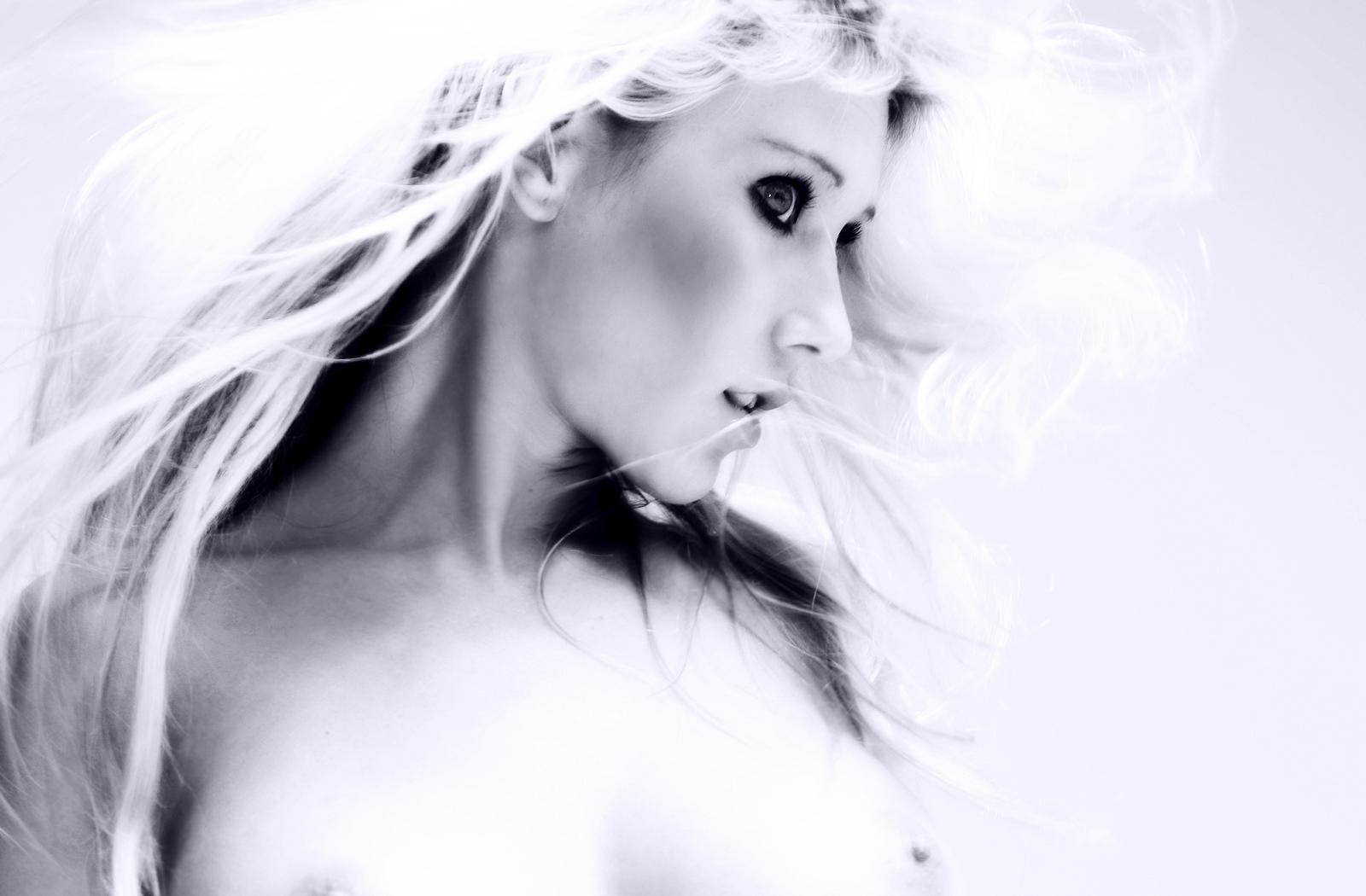 Blonde Titts 31