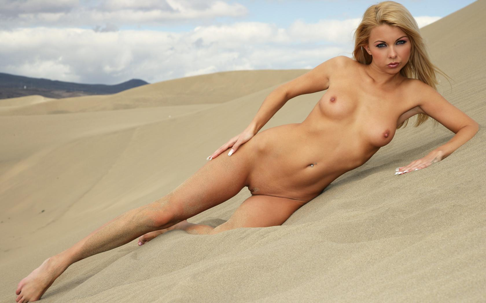 Sexy Girl Nude On Beach