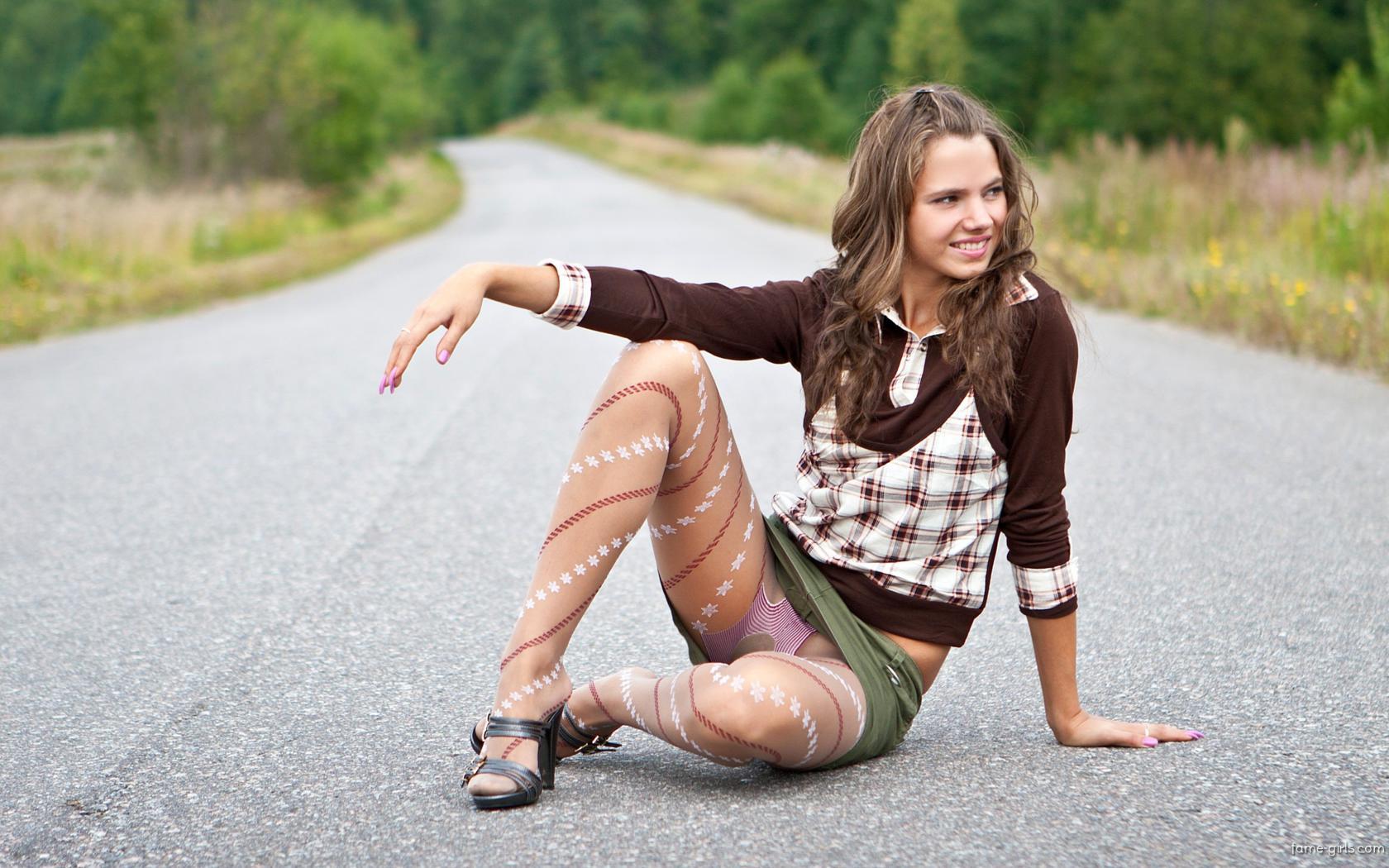 Download photo 1680x1050, girl, sexy, pantyhose, legs