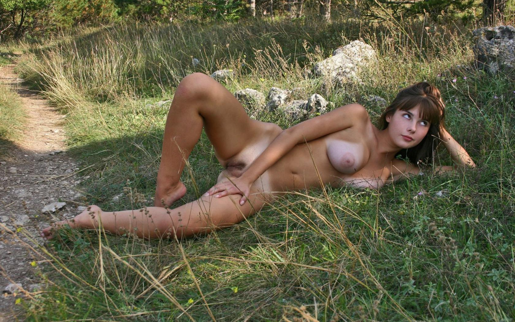 Outdoor erotic art