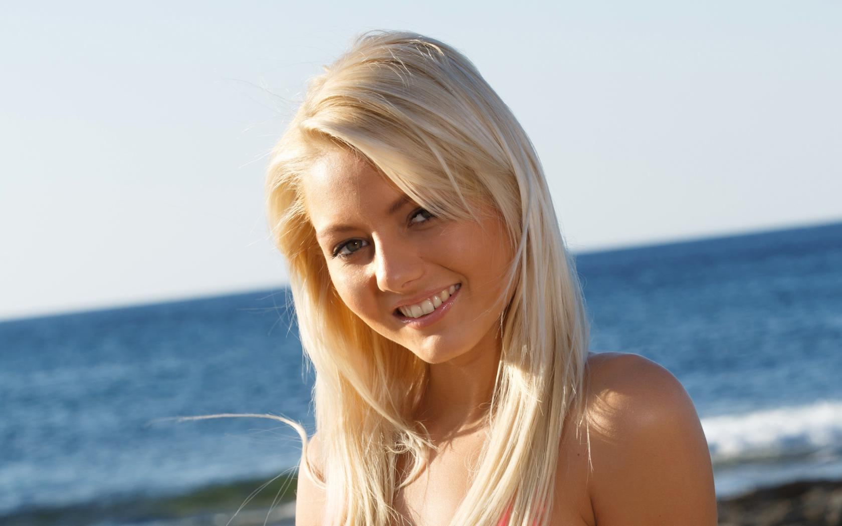Annely gerritsen wallpapers for Android, iPhone and desktop.