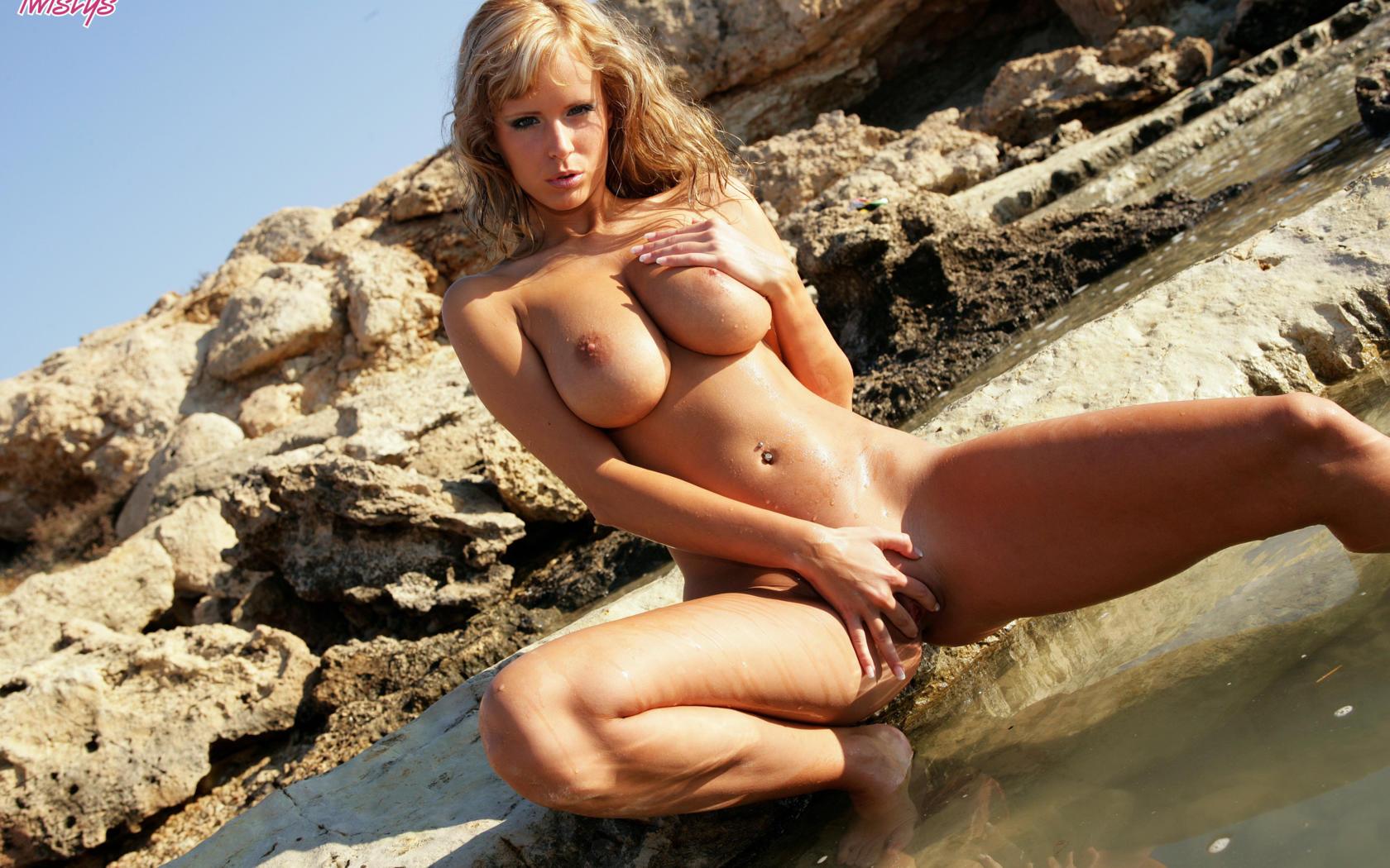 Zuzana D Nude 55