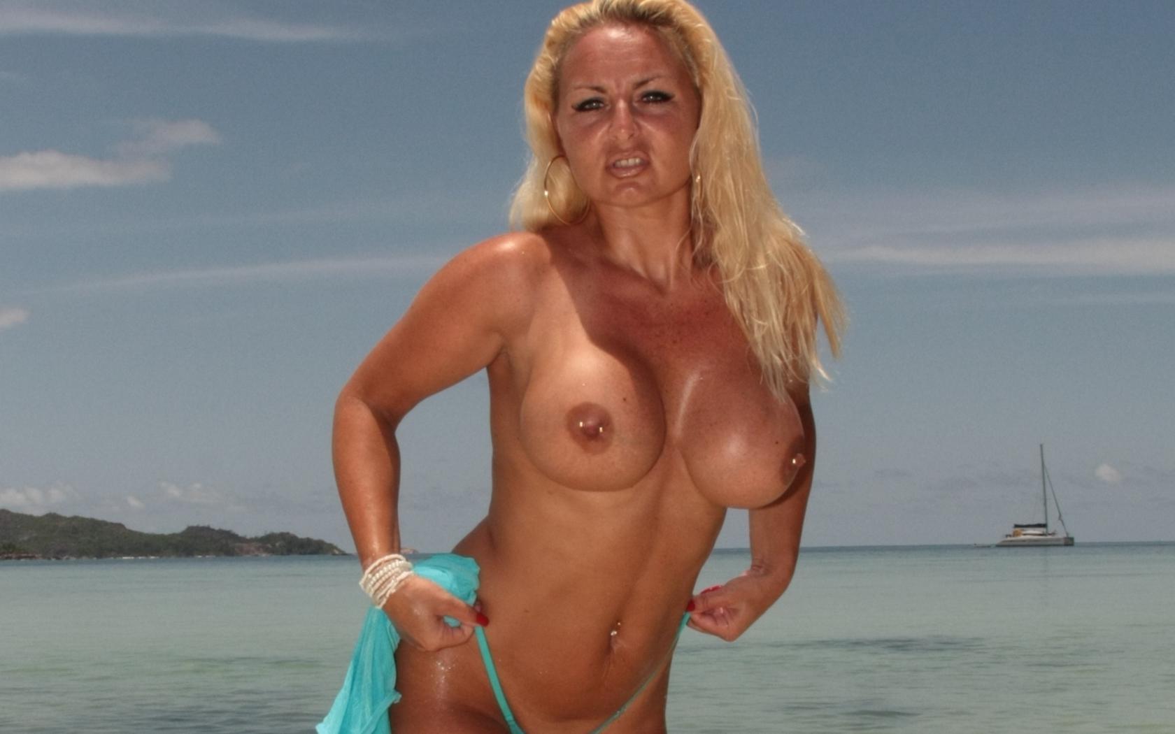 Sexy photo big tits