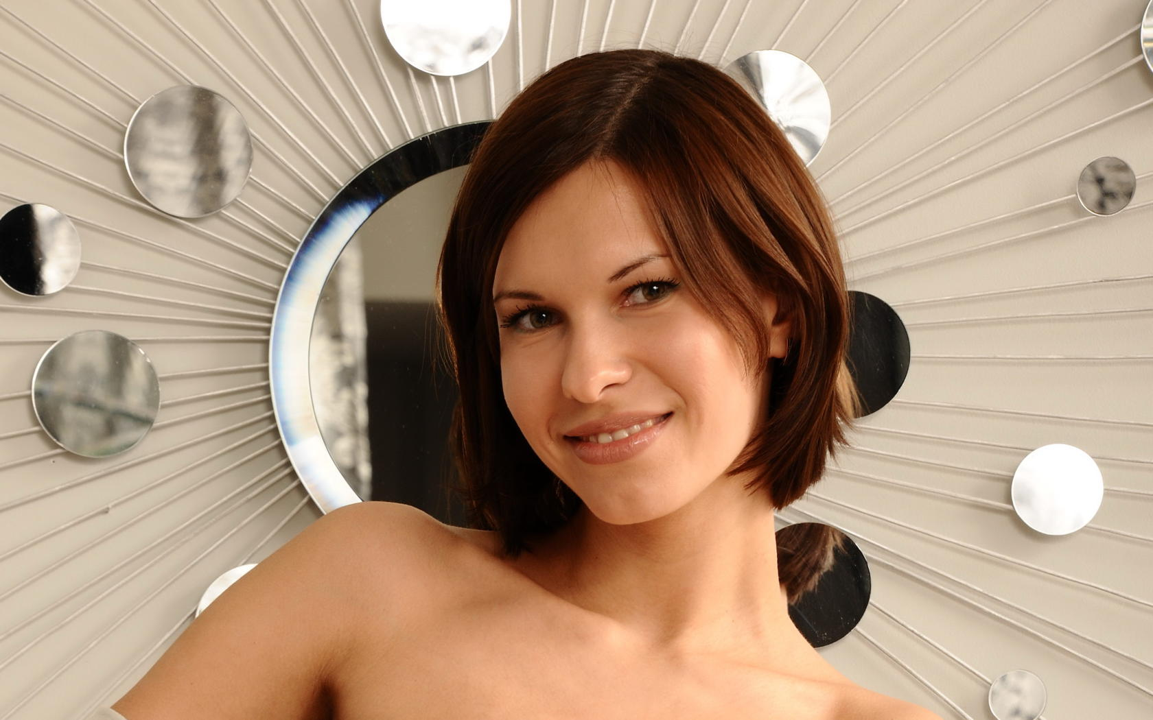 Download photo 1600x900, suzanna a, brunette, smile, face