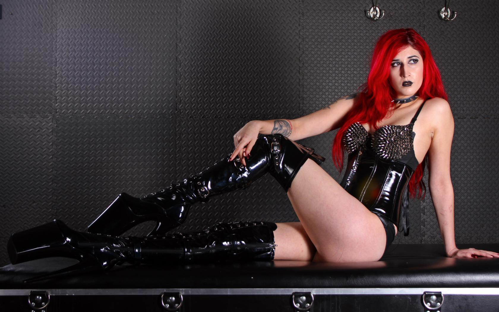 Download photo 1680x1050, mistress synful, german, domina