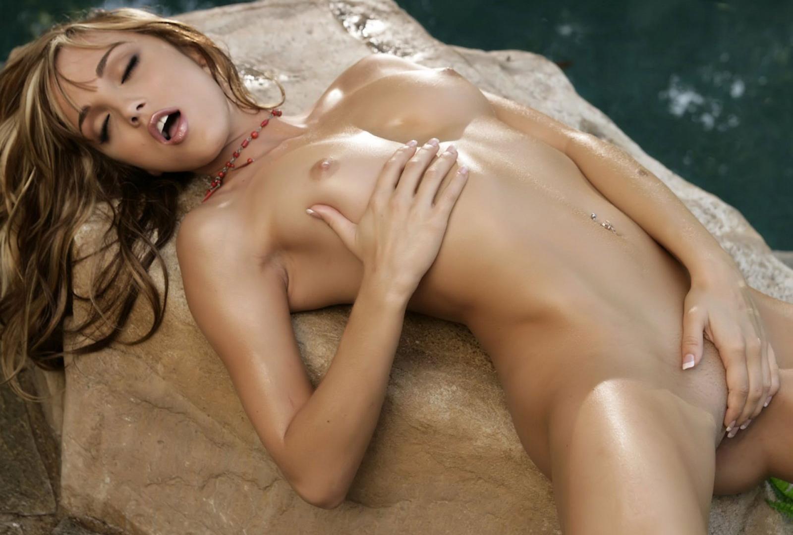 Consider, Fingering nude boobs in bikini