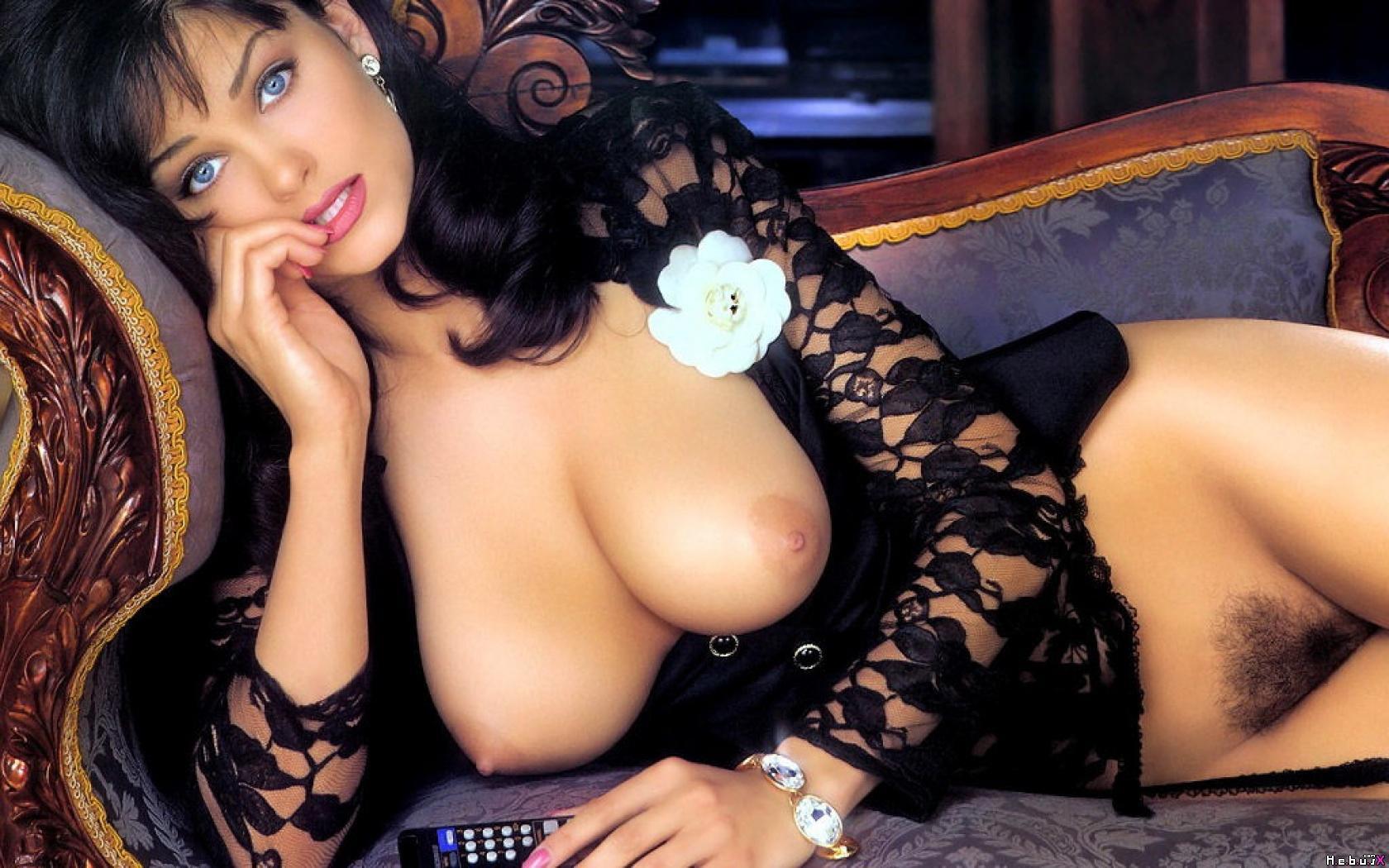 Denise richards in valentine 6